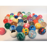 Piłeczki i kapsułki z zabawkami